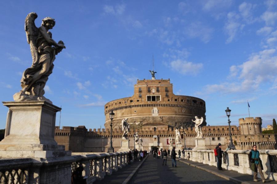 【賺很大】義大利雙點進出、聖彼得大教堂、威尼斯鐘樓登頂、天空之城11日