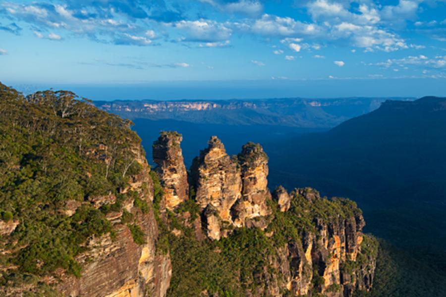 東澳經典三城夜遊、邂逅神仙企鵝、藍山雙纜車、普芬火車異國美食9日