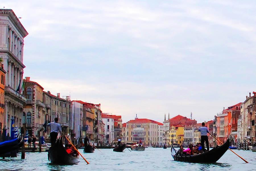 時尚義大利10日~卡布里島、阿瑪菲海岸、高速列車、貢多拉遊船、戀戀山城