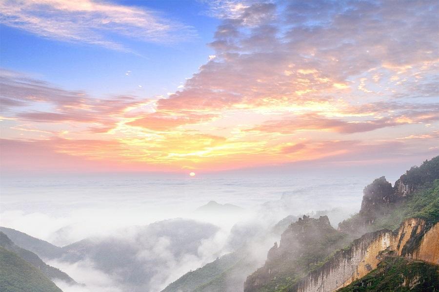 重慶武隆天坑三橋‧仙女山‧武陵大裂谷‧金佛山溫泉‧四面山心形大瀑布8日