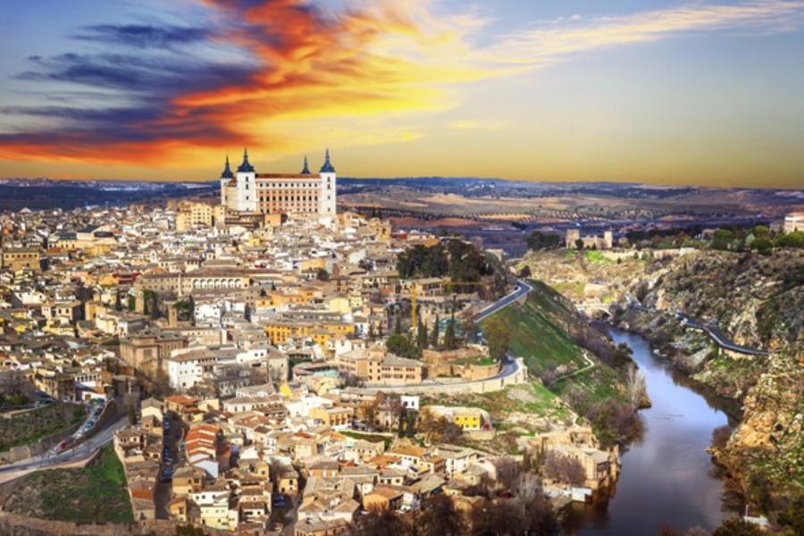 【金豬報喜】西班牙白色山城、佛朗明哥舞晚宴、雪利酒莊、五晚五星11日