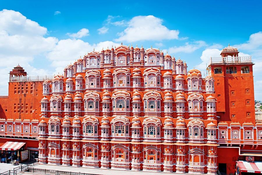 【金豬報喜】印度恆河祈福~金三角、性廟、皇宮旅館、寶萊塢、歐規巴士8日