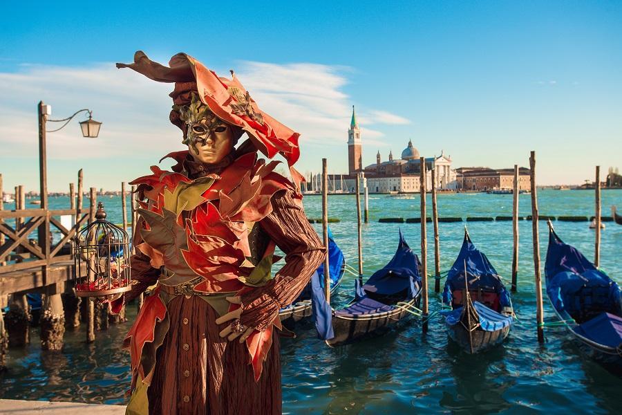 【威尼斯嘉年華】義大利梵蒂崗博物館、威尼斯三島漫遊、藍洞尋奇12天