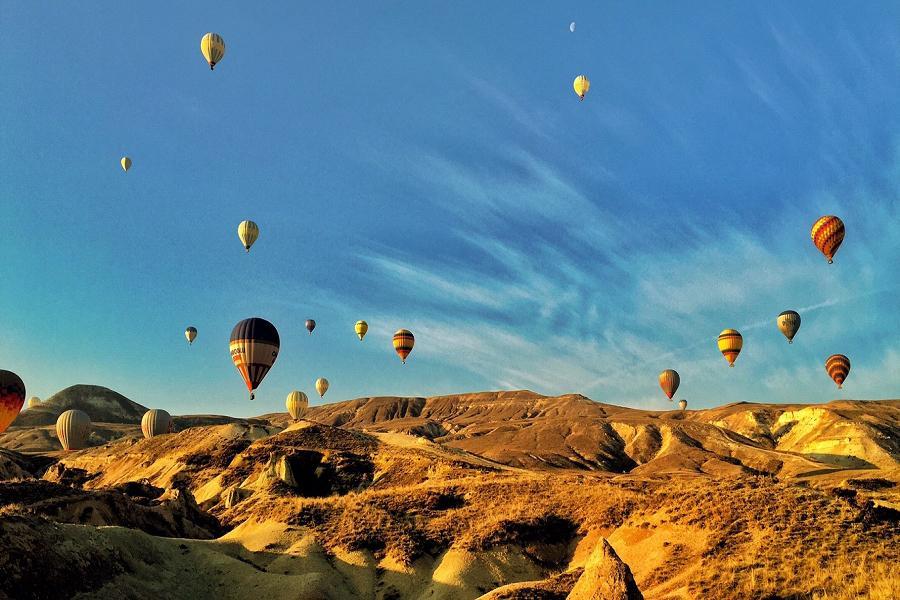 熱氣球漫遊-蘭納古城跨年狂歡(含稅簽》