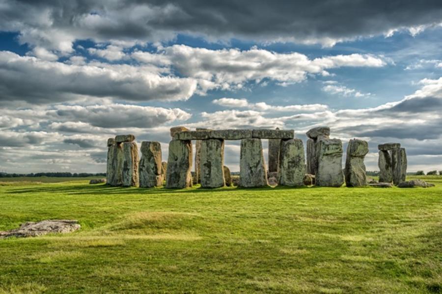 【金豬破盤】英國巨石陣、劍橋撐篙、披頭四、莎翁故居、百年藝廊下午茶9日