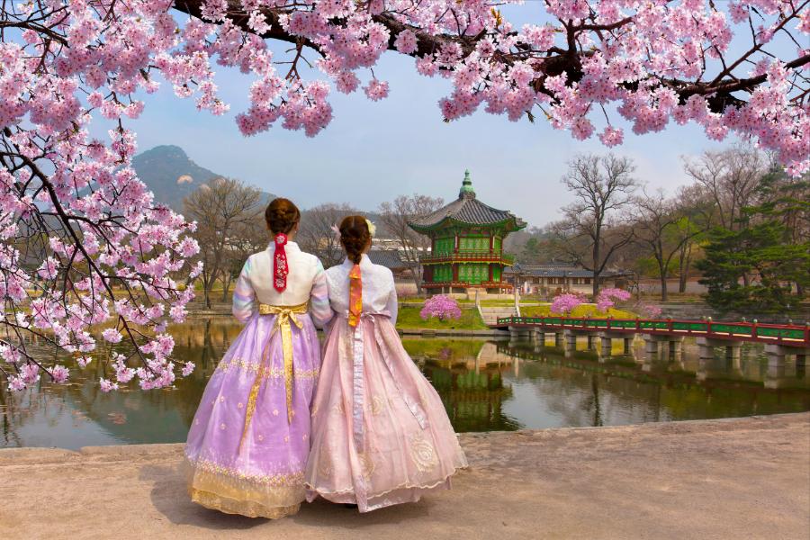【升等豪華希爾頓】韓國變妝遊景福宮.樂天世界.瑞士村.星空圖書館5日