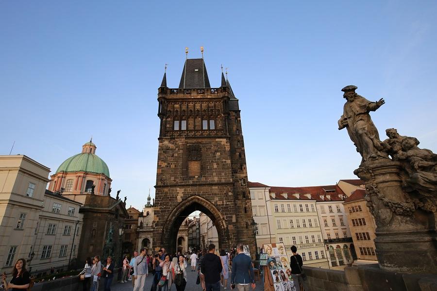 【雙點進出】經典奧捷9日~布拉格古堡、熊布朗宮、醉美湖區、六大風味美食