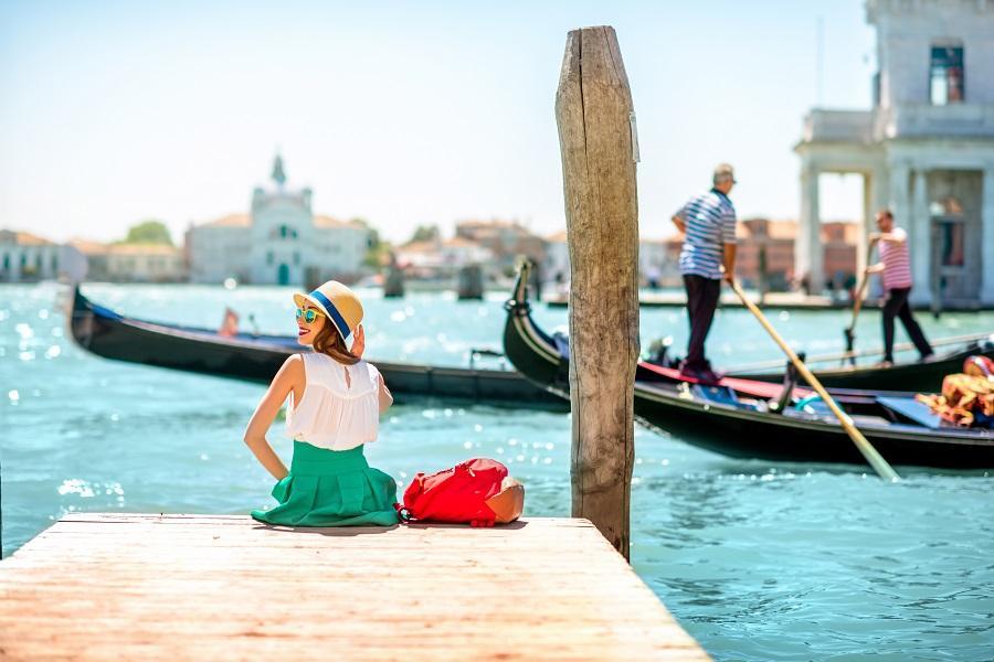 【鼠來寶】義大利南進北出、阿瑪菲、藍洞、威尼斯雙島、兩晚五星11日