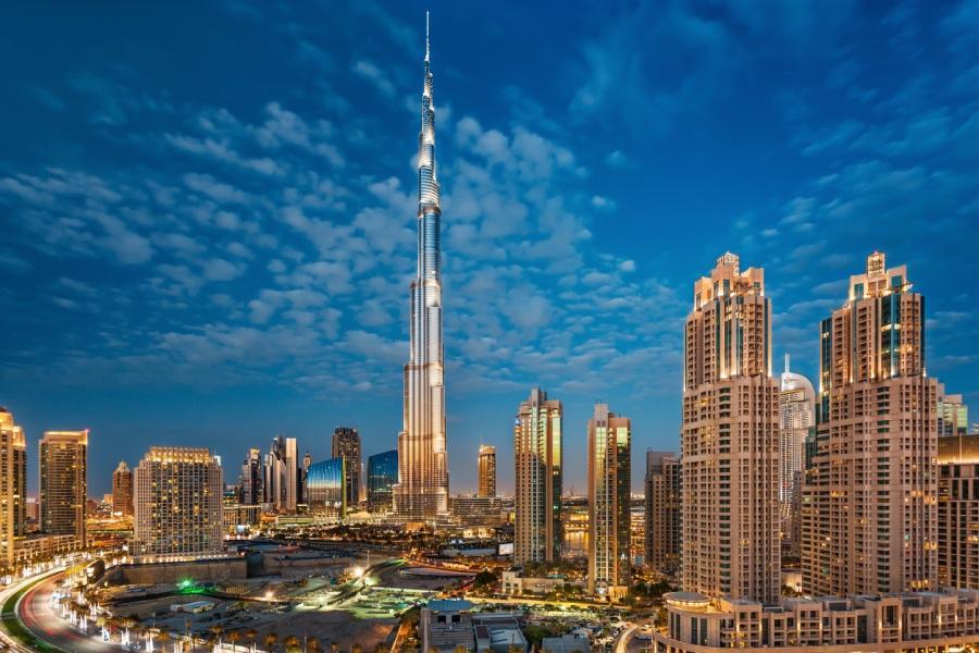 杜拜跨年煙火~跨年晚宴、哈里發塔、沙漠衝沙、七星帆船餐食、五星飯店7日