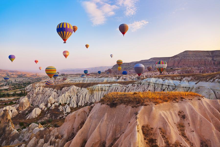 花漾土耳其11日 安塔利亞、洞穴旅館、蕃紅花城、土耳其之夜