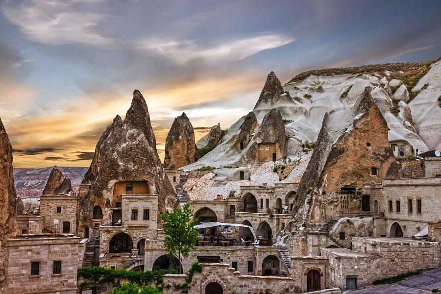 【賺很大】土耳其單飛、送小費、兩晚洞穴、肚皮舞秀、遊船晚宴10日