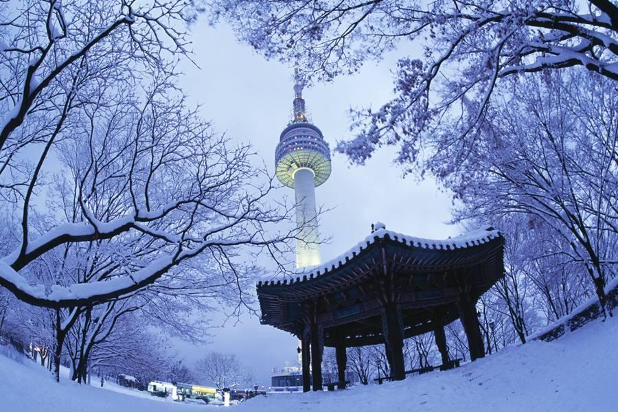 【升等3晚市區】冬戀雪嶽滑雪趣.聖托里尼咖啡.汗蒸幕5日(不進保肝)