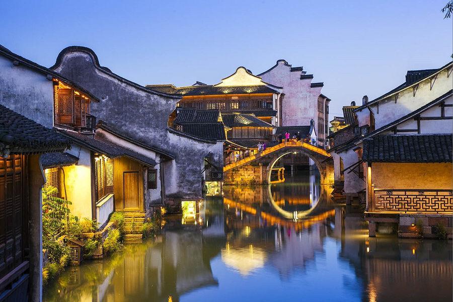 跨年來去烏鎮元旦趴、提燈走橋、杭州西湖,蘇州庭園5日