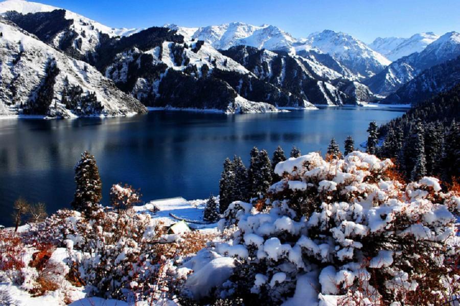 魅力新疆、天山天池玩雪、南山牧場健走、大巴紮歌舞宴6日(升華凌美爵)