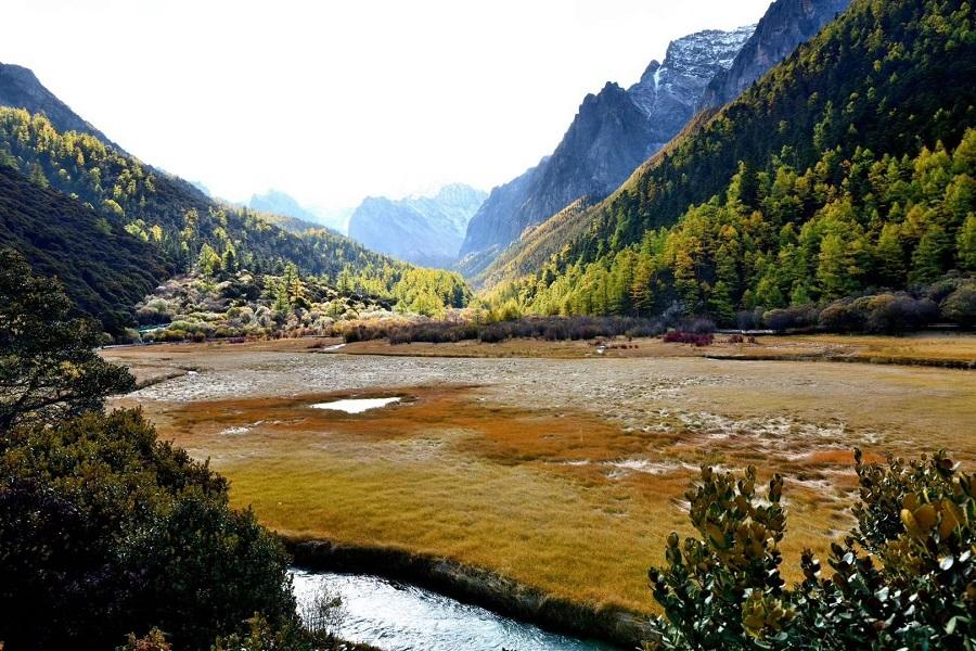 昆大麗+香格里拉、雪山草甸騎馬、普達措國家公園、升等麗江凱悅兩晚八日