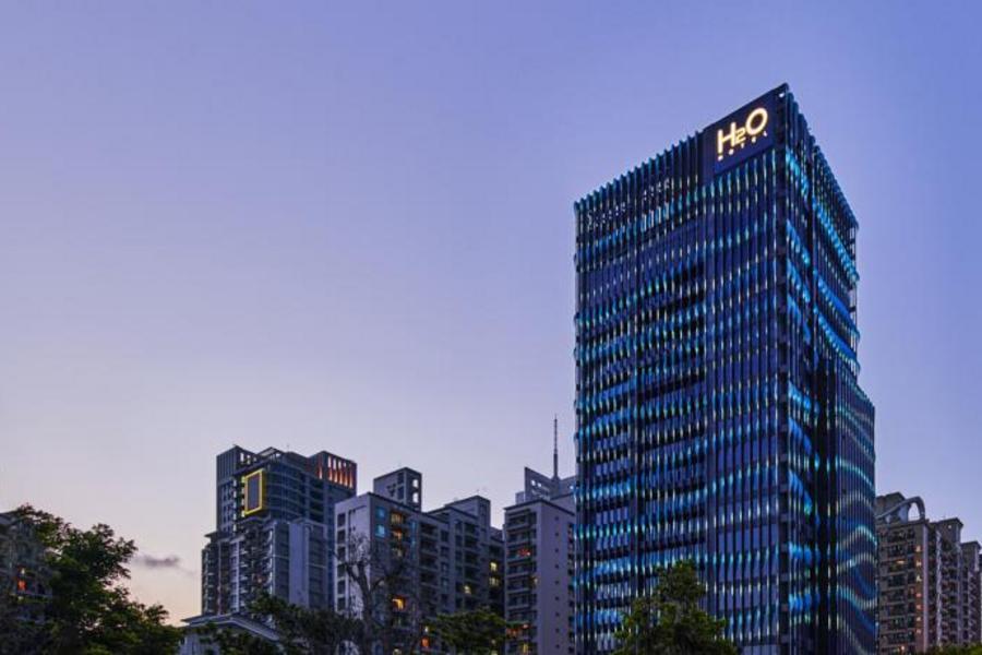 【高雄最HOT新地標】和運假期-H2O水京酒店含早+2日租車