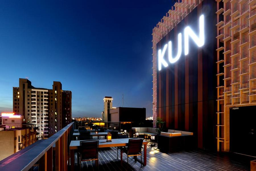 和運假期-台中KUN知客館含早+2日租車