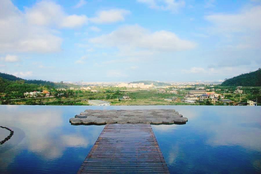 【東南賓士車】宜農牧場、鵝山茶園、梅花湖、龍座咖啡一日遊