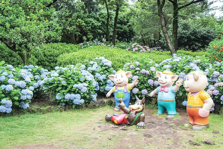 【迷你團】五星藍鼎~神話樂園、變形金剛、休愛里四季花園、韓服體驗4日