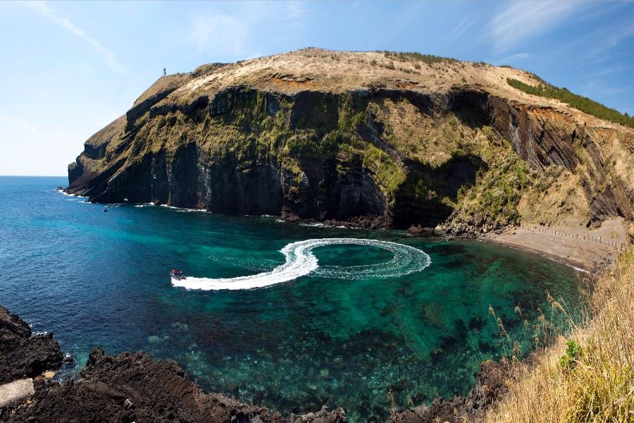 易起玩濟州~牛島珊瑚海灘、海邊夏午茶、神話藍鼎、透明皮艇、韓服穿越5日