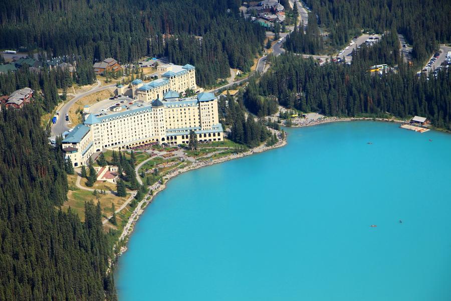 加拿大奢華雙堡~三大國家公園、冰原雪車、天空步道、精靈島、單飛11日
