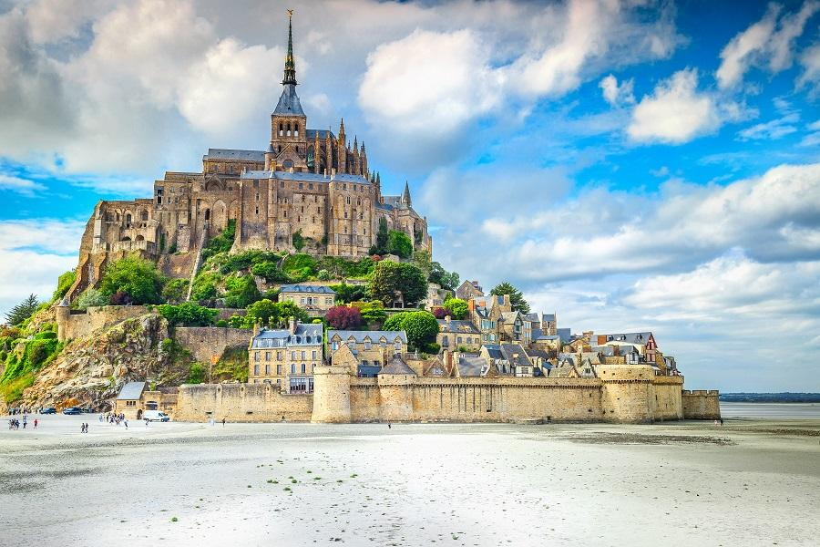 【賺很大】法國聖米歇爾山、羅亞爾河雙城堡、巴黎雙宮、米推料理10日
