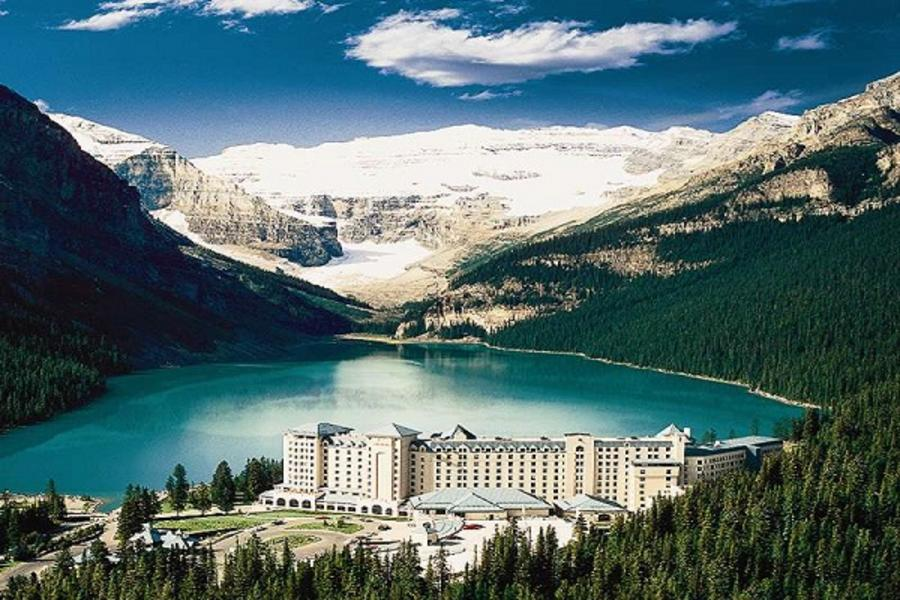 《升等露易絲湖城堡》冬遊美加雙國 加拿大+西雅圖 維多利亞 洛磯山脈、班夫、纜車、星巴克、太空針塔、OUTLET十日
