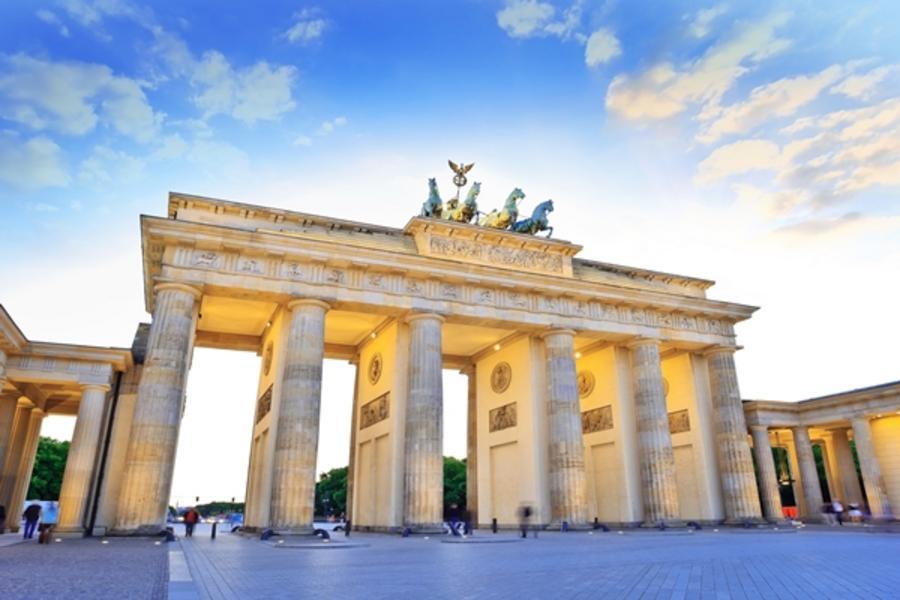 魅力歐洲!盡覽東歐秘境-柏林、波蘭華沙、匈牙利13日-中段飛機、雙高鐵、雙遊船、六晚五星首都連泊(含稅小費)