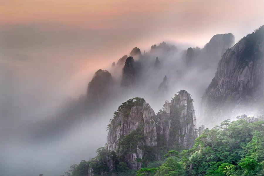 探秘黃山~穿越西海大峽谷、享溫泉、南屏古村落5日【山上乙晚】