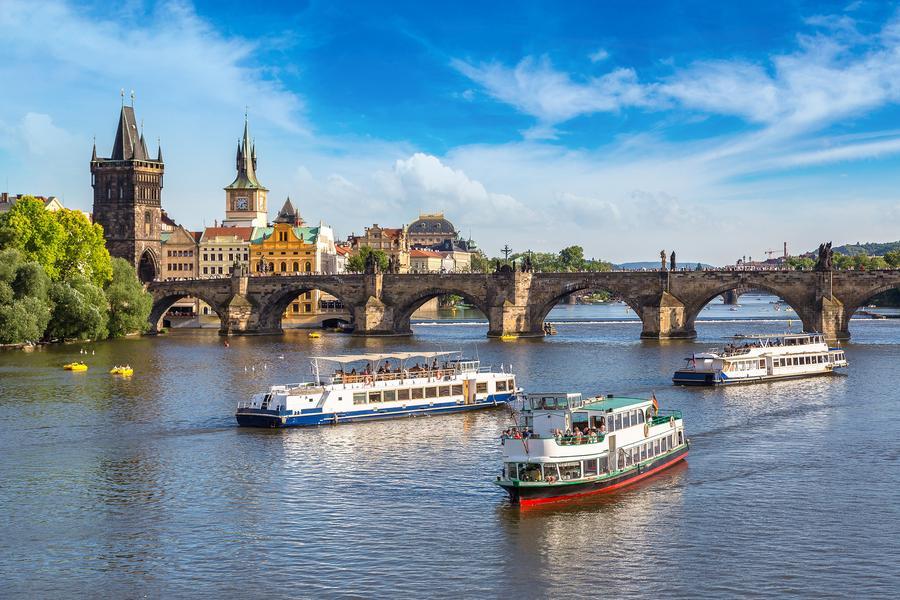 【賺很大】奧捷2晚布拉格城區五星、遊船宴、天文鐘、米其林推薦風味10日