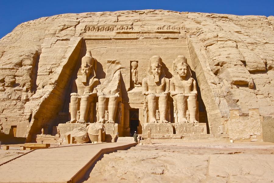 【蜜月典藏】埃及杜拜雙國、中段飛機、金字塔、尊爵河輪、亞特蘭提斯11日