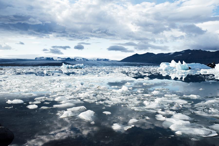 【賺很大】冰島法國~冰川健行、藍湖溫泉、金環之旅、花都血拼8日