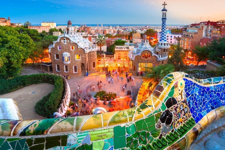 【賺很大】西班牙古城、夢瑟拉修道院、巴塞隆納巡禮、名牌購物城9天