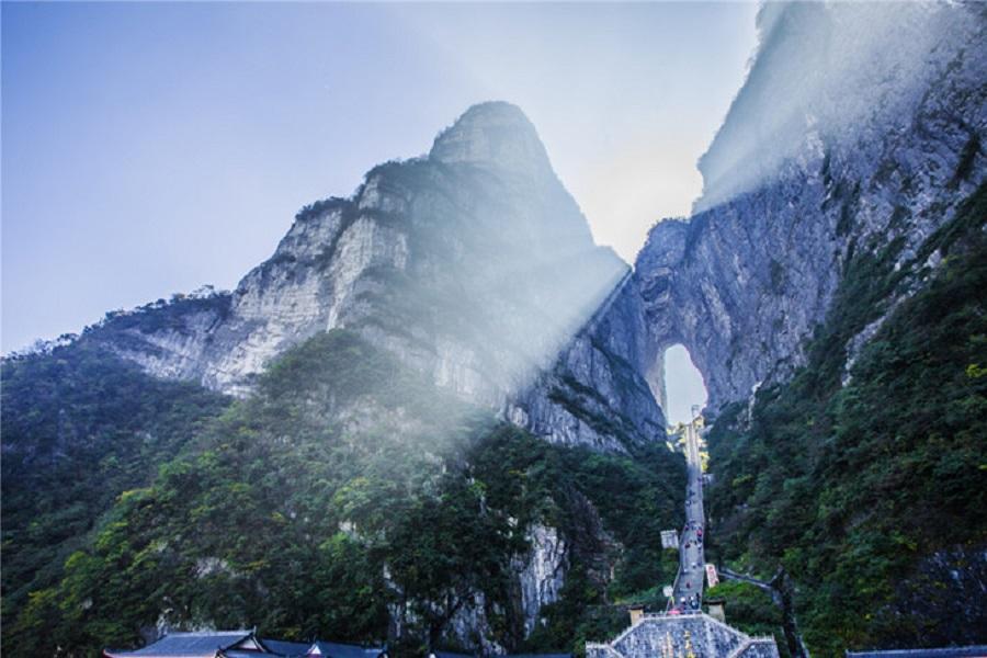 遠東航空-張家界、大峽谷玻璃橋、天門山5日(五星、三排椅+WIFI)