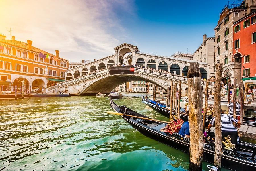 【旗艦典藏】義大利天空之城、彩色島、烏菲茲美術館、米其林推薦10日