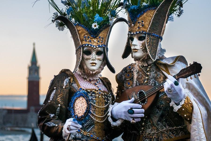 【威尼斯嘉年華】義大利天空之城、五漁村、品酒體驗、夜泊威尼斯島上10日