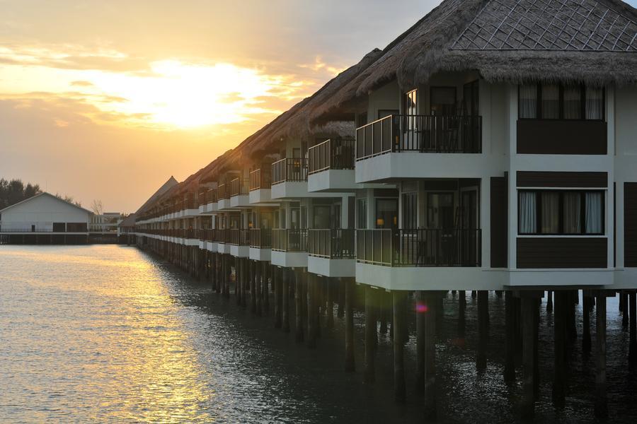 仲夏馬新-黃金棕櫚水上屋吉膽島黃昏海釣夕陽巡航.雲頂高原娛樂城五日