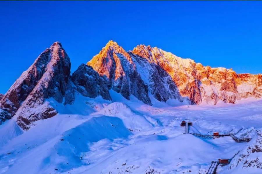 【印象麗江香格里拉】雪山大索道、普達措、虎跳峽、古城、3晚金茂凱悅6日