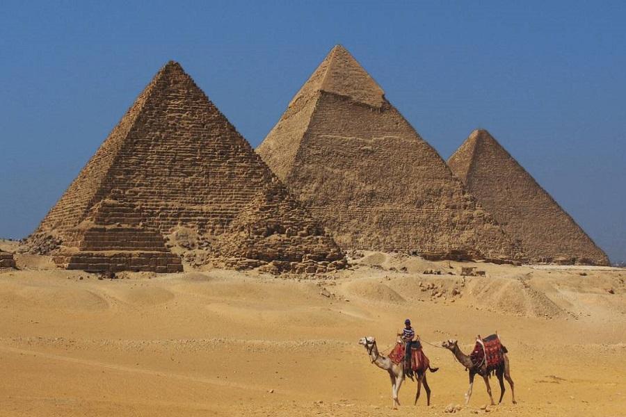 埃及一段機、金字塔區騎駱駝、努比亞風帆船、皇家木乃伊、尼羅河巡禮8日