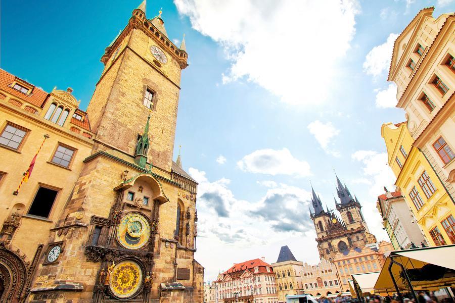 奧捷9日~熊布朗宮、布拉格古堡、醉美湖區、七大風味美食之旅