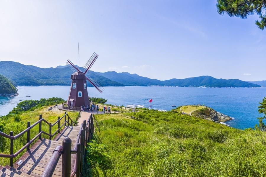 釜山巨濟島~浪漫海上花園、跑跑人體驗館、加耶塗鴉秀、長腳蟹美食5日