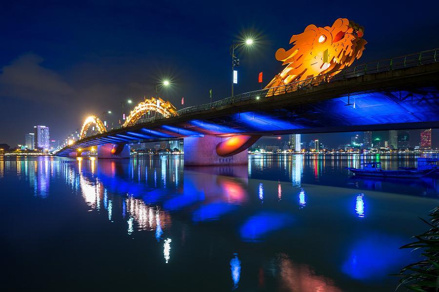 【長榮航空】享趣中越~峴港巨手黃金橋、會安古董車、印象秀、美山5日