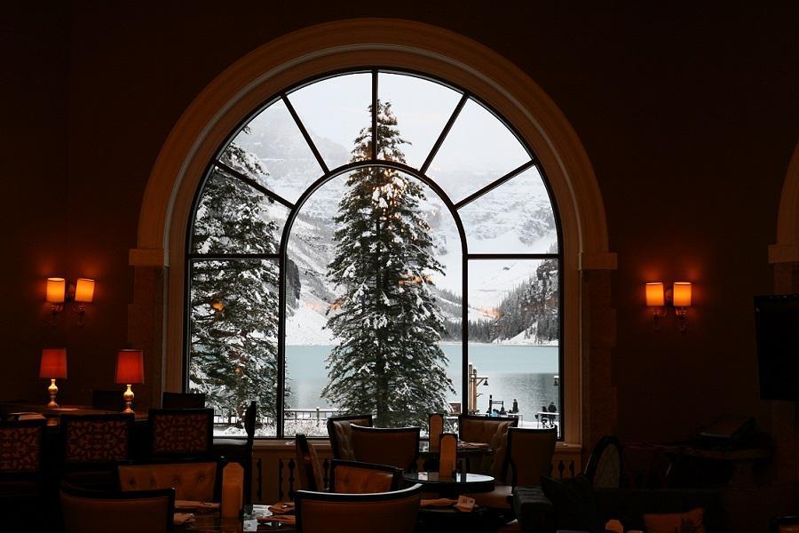 【鼠來寶賞雪趣】加拿大洛磯山脈九日~露易絲湖城堡、維多利亞、班夫、纜車