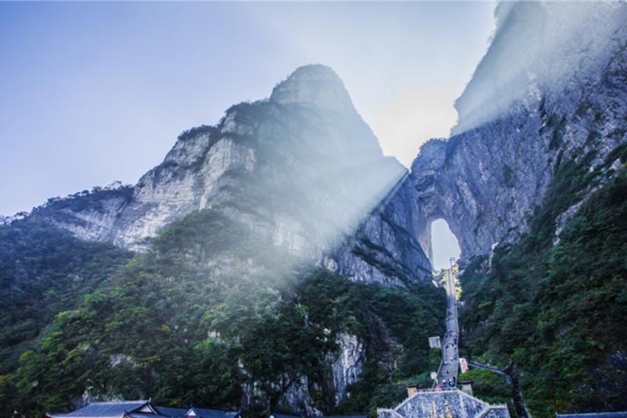 【張家界Happy超值GO】天門山、鳳凰古城、芙蓉鎮、茅岩河平湖遊8日