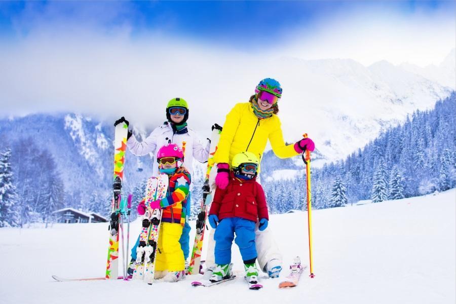 繽紛滑雪趣~韓國樂天世界.VR虛擬體驗.LINE主題館.明洞5日