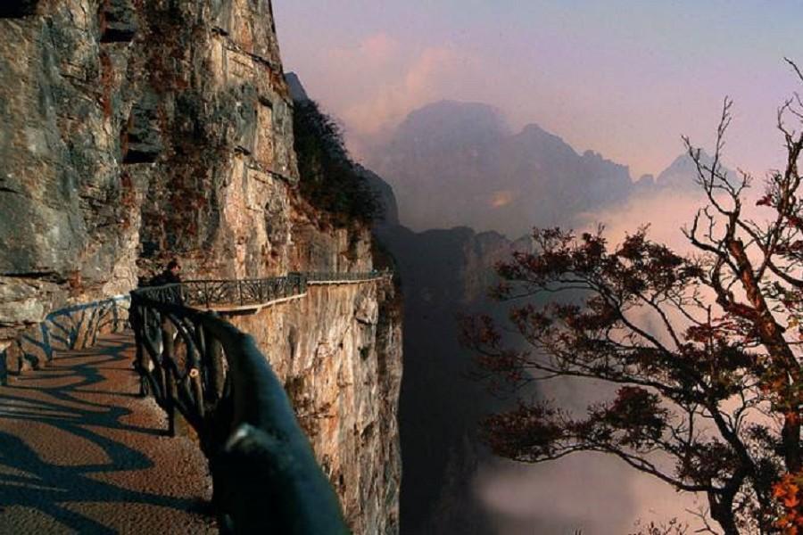 【初三出發】張家界鳳凰古城、玻璃橋、千古情秀8日(升等溫德姆或希爾頓)