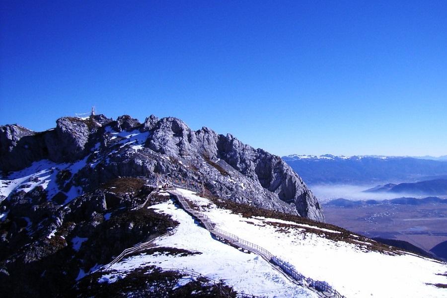 【鼠來寶】遇見香格里拉、登石卡雪山、玉龍雪山草甸騎馬、麗江古城8日