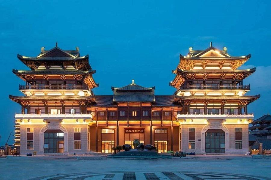 張家界、鳳凰古城、玻璃橋、銅官窯古鎮、天門狐仙秀8天(VIP三排椅)