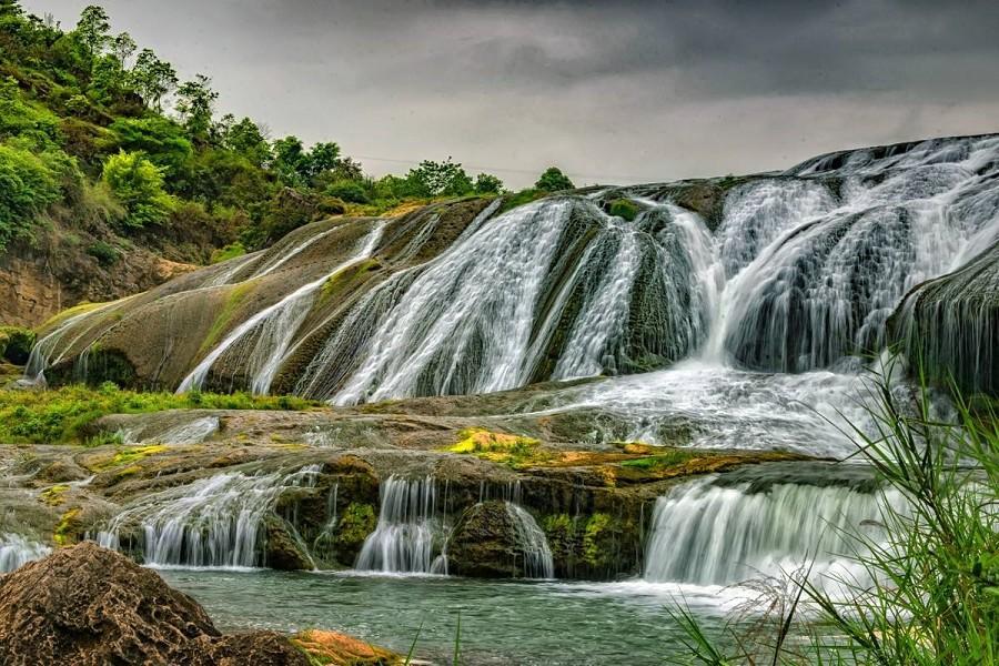 貴州黃果樹瀑布、張家界、鳳凰古城、天門山、大峽谷玻璃橋8日(三排椅)