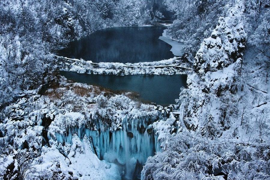 【福滿久久】克斯銀藍冰湖、藍色纜車、鐘乳石洞火車、焦糖魔幻市集10日